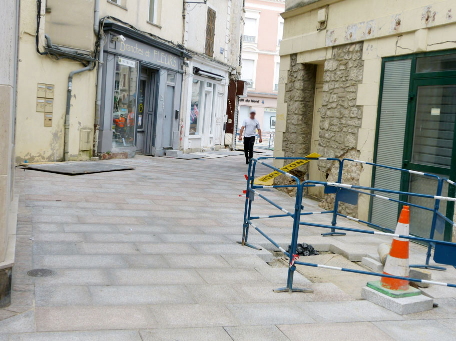 La nouvelle place du march travaux actualit s ville - Piscine brie comte robert ...