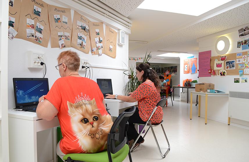 l 39 aide avec le centre social aide l 39 emploi brie pour tous ville de brie comte robert. Black Bedroom Furniture Sets. Home Design Ideas